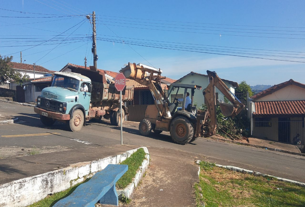 Prefeitura realiza mais um mutirão de limpeza no último sábado, 27 de março.